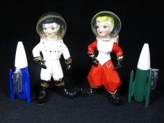 Vintage kreiss space astronaut ceramic figures 1957 & elite rocket ship lighters