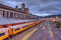 Dunedin Railway station , New Zealand Sarah Lark, Long White Cloud, Australian Continent, New Zealand South Island, Kiwiana, Exotic Places, The Beautiful Country, Travel Memories, Tasmania