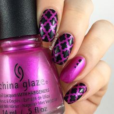Flawless Moroccan mani by the lovely @hanninator_  - Moroccan Nail Stencils snailvinyls.com