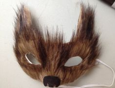 diy wolf costume add growly teeth and long furry tail. great for school plays and halloween Halloween 2015, Halloween Masks, Holidays Halloween, Halloween Party, Haunted Halloween, Halloween Crafts, Family Costumes, Diy Costumes, Costume Ideas