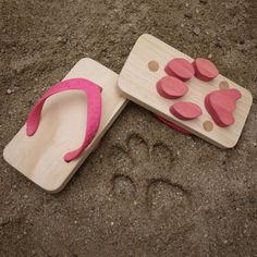 Ashiato Animal Footprint Sandals
