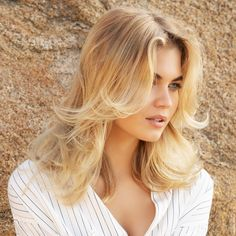 Medium haircuts all the new spring summer cuts. Summer Haircuts, Spring Hairstyles, Hairstyles Haircuts, Newest Hairstyles, Medium Hair Cuts, Medium Hair Styles, Long Hair Styles, Balayage 2 Ors, Franck Provost