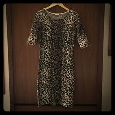 Minnie Rose  100% Cashmere dress Soft cashmere animal print dress. I'm 5'8 and it comes to my knees. Worn once. Minnie Rose Dresses