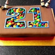 M&M Birthday Cake Tutorial Food Cakes, Cupcake Cakes, Cupcakes, Just Desserts, Delicious Desserts, Yummy Food, Sweet Recipes, Cake Recipes, Dessert Recipes