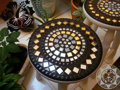 Mosaic Outdoor Table, Mosaic Coffee Table, Outdoor Table Tops, Mosaic Tile Art, Mosaic Diy, Mosaic Glass, Glass Art, Decorative Tile, Mosaic Patterns