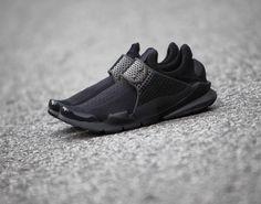 Additional Views Of The Nike Sock Dart Triple Black