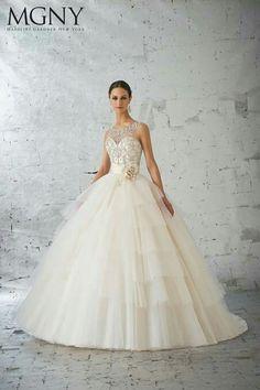 53f310c5238 Glamorous Wedding Gowns
