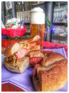 Da oggi al So Good il nuovo Bagel con Wurstel Artigianale dei f.lli Roccia del Pork'n'Roll, senape e cipolla caramellata. Un'esplosione di gusto che si accompagna, manco a dirlo, in maniera perfetta alle nostre craft beer!!! Correte a provarlo!!!!! #sogood #roma #aventino #circomassimo #craftbeer #bagel #wurstel #food #foodie #welovefood