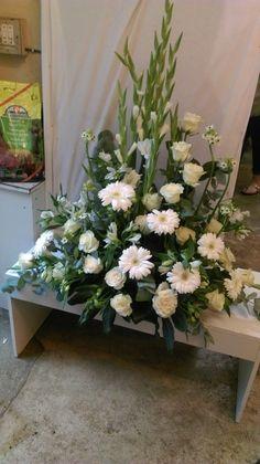 Funeral Flowers, Iglesias, Floral Arrangements, Creations, Change, Weddings, Plants, Decor, Rose Flower Arrangements