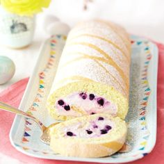 Blueberry Biscuit Roll with Eggnog Recipe WW Germany - Gesunde Ww Desserts, Weight Watchers Desserts, Delicious Desserts, Yummy Food, Candy Recipes, Sweet Recipes, Weigt Watchers, Baking Bad, Biscuits