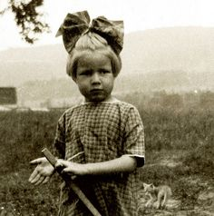 Joyce Griffin, 5, and Kitten, 1922 by JFGryphon, via Flickr
