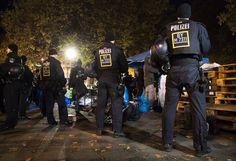 Hungerstreik in München: Polizei räumt Protestcamp von Flüchtlingen - SPIEGEL ONLINE - Panorama