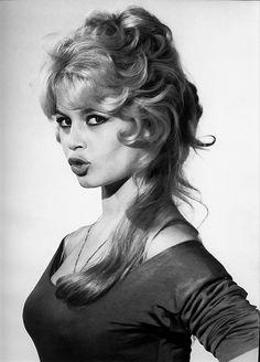 Brigitte Bardot, Bridget Bardot, Glamour, Female Actresses, French Actress, Classic Beauty, Sensual, Hollywood Actresses, Classic Hollywood
