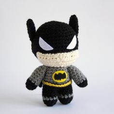 Batman FREE Pattern Well, after a long wait, the Dark Knight is finally here! I know this took me a while to publish, honestly I got distracted with other projects and life, and Batman's pattern just sort of dis… Crochet Amigurumi Free Patterns, Crochet Animal Patterns, Stuffed Animal Patterns, Crochet Yarn, Free Crochet, Batman Amigurumi, Amigurumi Doll, Batman Crochet, Batman Free