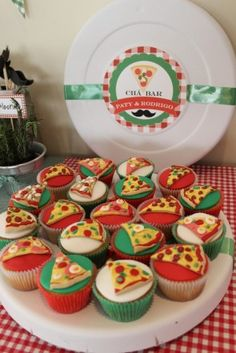 Pizza Party - For Little People Creations, Pizza Cupcakes, Pizza Cake, Cookie Pizza, Themed Cupcakes, Pizza Party Birthday, Boy Birthday Parties, Kids Pizza Party, Birthday Ideas, Cupcake Party