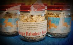 baby food jars with reindeer food! baby food jars~spray paint the tops. Mix together quick oats or any oats & sprinkles. Put in jar add label & ribbon/tulle and feed reindeer on Christmas Eve! Christmas Class Treats, Christmas Activities, Christmas Crafts For Kids, Christmas Fun, Holiday Crafts, Holiday Fun, Baby Jars, Baby Food Jars, Food Baby