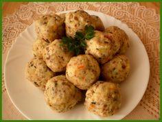 Brambory a mrkev si můžeme uvařit den předem. Pak oloupeme, brambory nastrouháme na jemném slzičkovém a mrkev na hrubém struhadle. Na jemném... 20 Min, Baked Potato, Cauliflower, Potatoes, Baking, Vegetables, Ethnic Recipes, Food, Cauliflowers