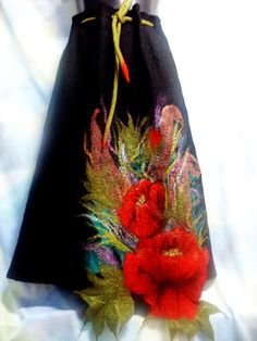 Felting wool skirt with poppies