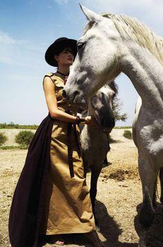 Isabeli Fontana by Cédric Buchet for Elle France August 2015