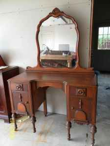Antique Vanity With Mirror 145 Hudsonville Jenison Old