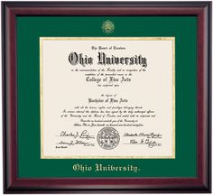 Traditional Style for Bachelors (Undergrad) Diploma Frame