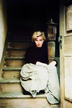 marilyn monroe photographed-by-milton-greene-1954