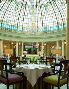 The Westin Palace Madrid - Dining options include La Cupola, serving Mediterranean specialties for dinner five days a week, La Rotonda, a casual all-day buffet dining area, and the Palace Bar, serving coffee, cocktails, and appetizers, and featuring live musical entertainment nightly.