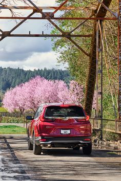 The freshness of spring brings beautiful things. #HondaCRV Roof Rails, Honda Crv, Cr V, Black Side, Electric Motor, Rear Seat, Tail Light, Interior Accessories, Touring