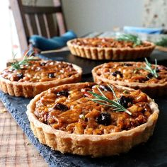 こんにちは!我が家の人気者、キャラメルナッツタルトのレシピをご紹介します。秋冬のプレゼントシーズンにはかかせない一品です✨ Sweets Recipes, Brownie Recipes, No Bake Desserts, Cake Recipes, Cooking Recipes, Bagel Recipe, Bread Cake, Baking And Pastry, Cafe Food