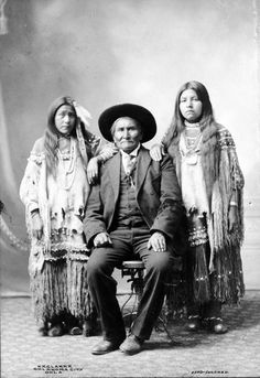 "Native American Apache Indian Chief Geronimo My great """""" grandpa Native American Images, Native American Beauty, Native American Tribes, Native American History, American Indians, Geronimo, Gaucho, Native Indian, Before Us"