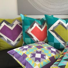 recent finishes: I finally made it into the studio yesterday and cleared out! Here's 4 out of five pillows that got invisible zippers and I even managed to finish a quilt top. Heart Day, Half Square Triangles, Valentine Day Crafts, Quilt Top, Quilt Making, Quilting Projects, Zippers, Quilt Blocks, Cushions