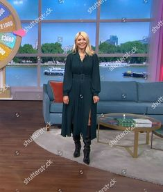 Holly Willoughby, Tv Presenters, Celebs, Sexy, Beautiful, Dresses, Celebrities, Vestidos, Dress