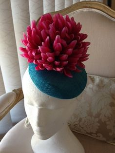 Fun turquoise fascinator with large pink flower. Stunning and simple! by CanteringDesigns on Etsy