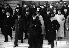 Selahattin Giz'in Koleksiyonundan Atatürk'ün Az Bilinen 74 Fotoğrafı – MustafaKemâlim History, Fashion, Moda, La Mode, Fasion, History Books, Historia, Fashion Models, Trendy Fashion
