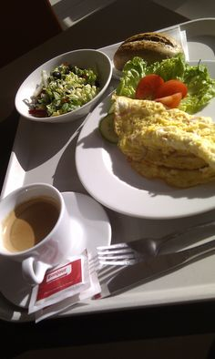 Ham and cheese omelette with light lettuce and olive salad, bun and coffee lungo @ Bojnour, Apollo Business Center