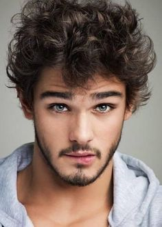 Take a look at these Fashionable Stylish Hairstyles Haircuts For Naturally Curly Hair Men. You won't be disappointed with these cool curly hairstyles. Mens Short Curly Hairstyles, Curly Hair Men, Curled Hairstyles, Hairstyles Haircuts, Cool Hairstyles, Curly Short, Mens Hairstyles 2014, Bangs Hairstyle, Curly Afro