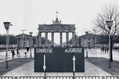 Brandenburger Tor am 11.Januar 1990