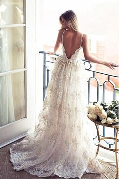 Spaghetti Straps Lace A-line Backless Wedding Dress Bridal Gowns PG378