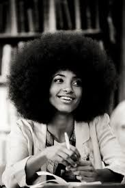 The afro is an iconic hairstyle that is automatically associated with natural hair. Find out how to get the perfect afro hairstyle! Best Beauty Tips, Beauty Hacks, Esperanza Spalding, Curly Hair Styles, Natural Hair Styles, Natural Beauty, Tumbrl Girls, Pelo Afro, Pelo Natural