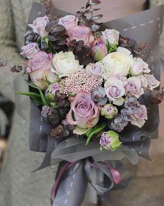 Boquette Flowers, Happy Flowers, Flower Boxes, My Flower, Wedding Flowers, Amazing Flowers, Beautiful Roses, Simple Centerpieces, Arte Floral