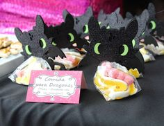 Toothless Girly Birthday - i like the baby toothless figures
