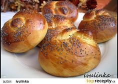 Makové briošky recept - TopRecepty.cz Czech Recipes, Ethnic Recipes, Bread Recipes, Cooking Recipes, Bread Dough Recipe, Homemade Dinner Rolls, Bunt Cakes, Bread And Pastries, Bread Rolls