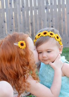 Sunflower snap clips and flower crowns from Sassy Bow Co. perfect summer hair accessories for girls of all ages Sunflower Accessories, Girls Hair Accessories, Flower Girl Hairstyles, Summer Hairstyles, Diy Headband, Baby Headbands, Sunflower Birthday Parties, Sunflower Headband, Diy Crown