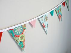 christmas bunting . . . love the fabric on these!