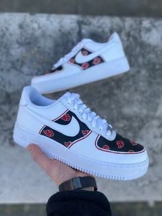 Anime Inspired Outfits, Anime Outfits, Casual Outfits For Teens, Retro Outfits, Custom Sneakers, Custom Shoes, Air Force One Custom, Naruto Shoes, Naruto Clothing