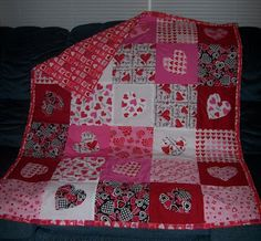 Photos of valentines quilt   This is my Valentine's Day quilt - full of LOVE!