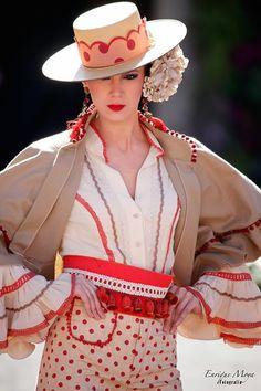 Simof Flamenco Party, Flamenco Dancers, Chapo, Spanish Dancer, Spain Fashion, Gaucho, Colorful Fashion, Affair, Polka Dots