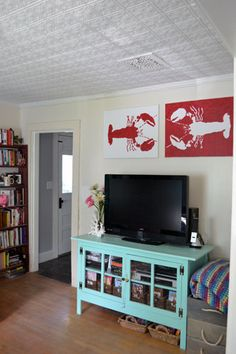 Lobster Art tutorial ~ do crabs Lobster Art, Lobster Fishing, Rock Lobster, Lobsters, Crabs, Joe Crab Shack, Florida Decorating, Beach Room, Decorating Ideas