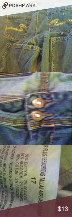 Women's jeans Women's jeans in great used condition,  from a 🚭 home Jeans Boot Cut