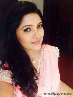 Vani Bhojan Beautiful HD Photoshoot Stills Celebrity Selfies, Beautiful Lips, Beautiful Saree, Beautiful Women, Glamorous Makeup, Stylish Girl Images, India Beauty, Asian Beauty, Natural Beauty